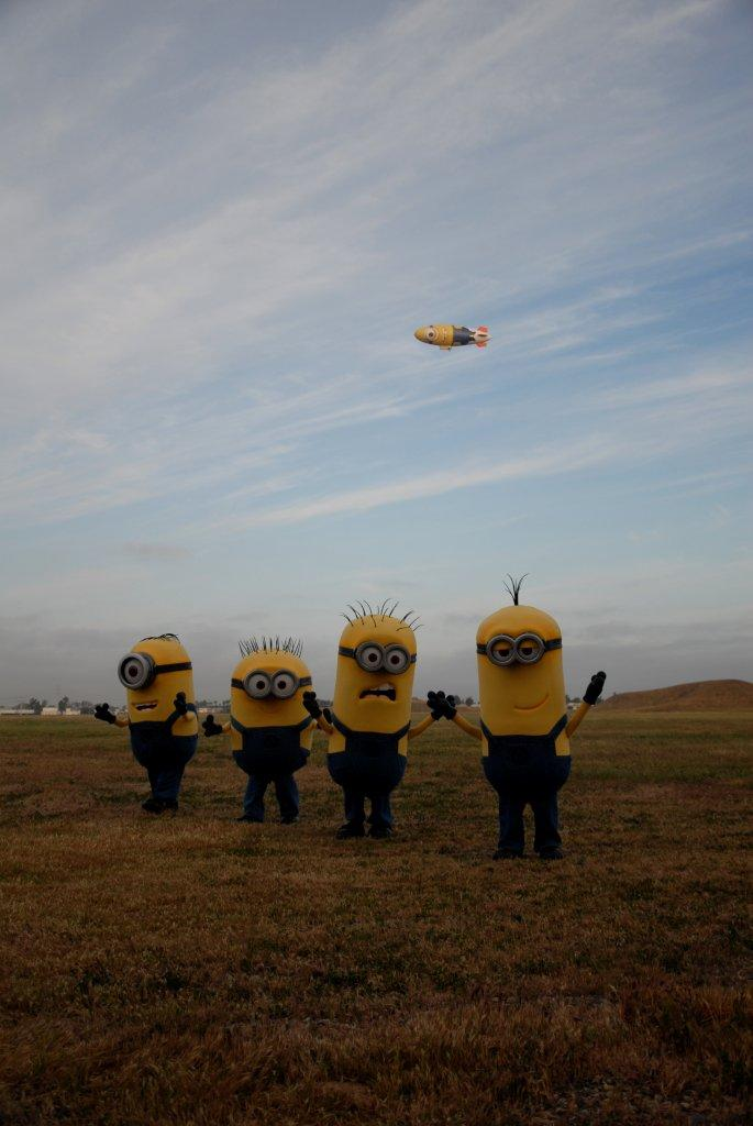 Despicablimp_and_Minions_2_Tustin_by_JB